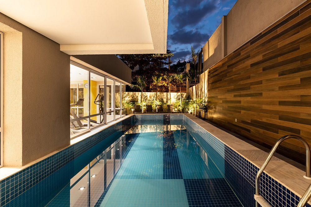 mosaic-piscina-noite-1000